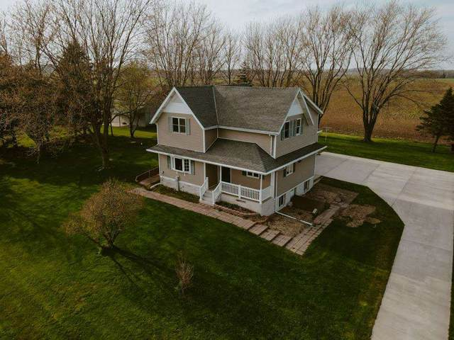 11726 Newton Road, Valders, WI 54245 (#50239430) :: Town & Country Real Estate