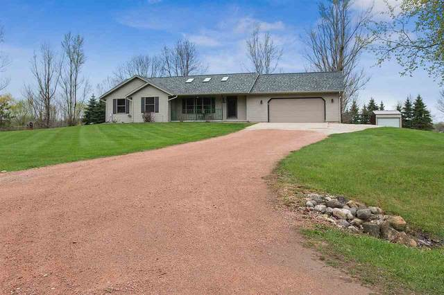 5328 Douglas Lane, Little Suamico, WI 54141 (#50239551) :: Ben Bartolazzi Real Estate Inc