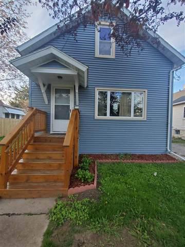 316 E Lincoln Avenue, Oshkosh, WI 54901 (#50239569) :: Town & Country Real Estate