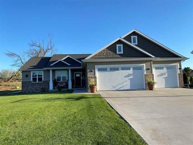 889 W Hubble Lane, Appleton, WI 54913 (#50239580) :: Town & Country Real Estate