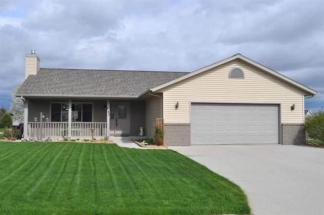 152 Foxglove Lane, Sheboygan Falls, WI 53085 (#50239584) :: Todd Wiese Homeselling System, Inc.