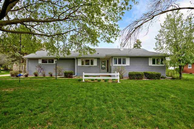 350 W Sunset Avenue, Appleton, WI 54911 (#50239625) :: Todd Wiese Homeselling System, Inc.