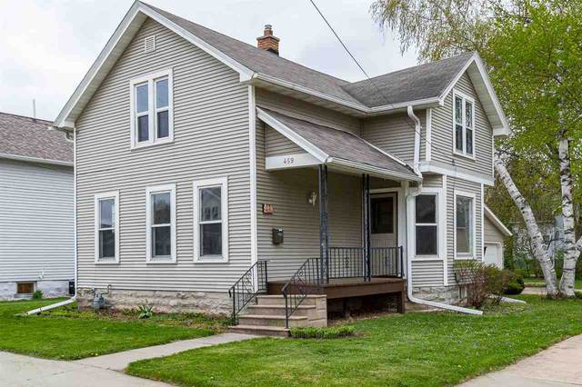 459 W 17TH Avenue, Oshkosh, WI 54902 (#50239651) :: Town & Country Real Estate