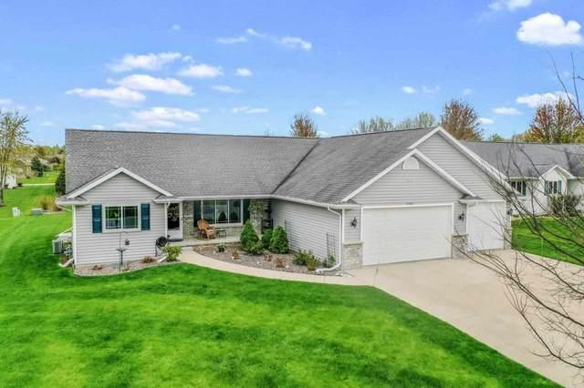 N1680 Medina Drive, Greenville, WI 54942 (#50239671) :: Carolyn Stark Real Estate Team