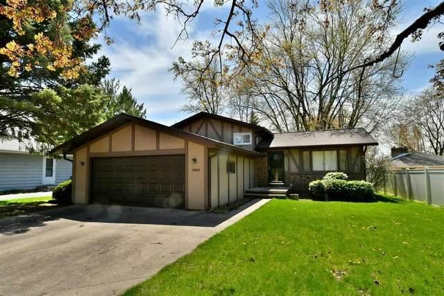 1637 Palisades Drive, Appleton, WI 54915 (#50239688) :: Symes Realty, LLC