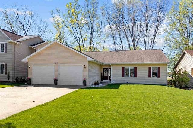 2745 W Commonwealth Court, Appleton, WI 54914 (#50239694) :: Todd Wiese Homeselling System, Inc.