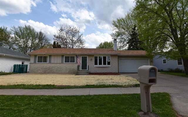 735 W Linwood Avenue, Oshkosh, WI 54901 (#50239703) :: Symes Realty, LLC