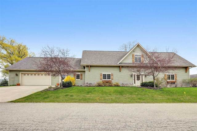 4882 S Bayshore Lane, Oconto, WI 54153 (#50239704) :: Todd Wiese Homeselling System, Inc.