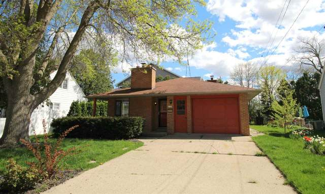 1109 E Irving Avenue, Oshkosh, WI 54901 (#50239705) :: Town & Country Real Estate