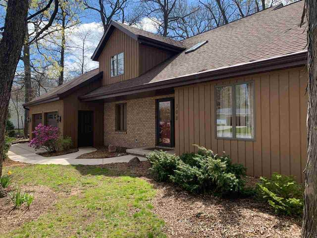 308 Parkwood Drive, Neenah, WI 54956 (#50239714) :: Todd Wiese Homeselling System, Inc.