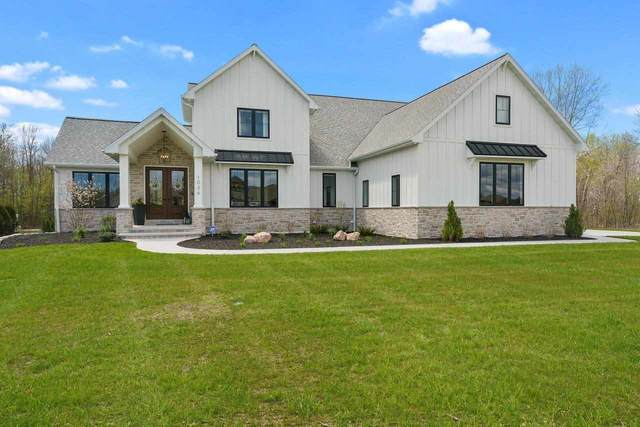 1036 Crown Pointe Circle, Suamico, WI 54173 (#50239733) :: Town & Country Real Estate