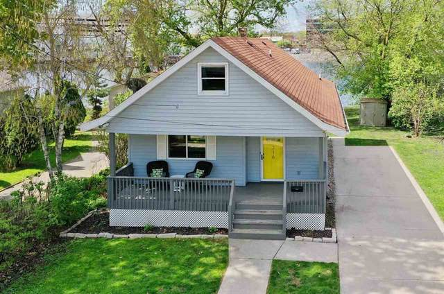 316 W North Water Street, Neenah, WI 54956 (#50239773) :: Todd Wiese Homeselling System, Inc.