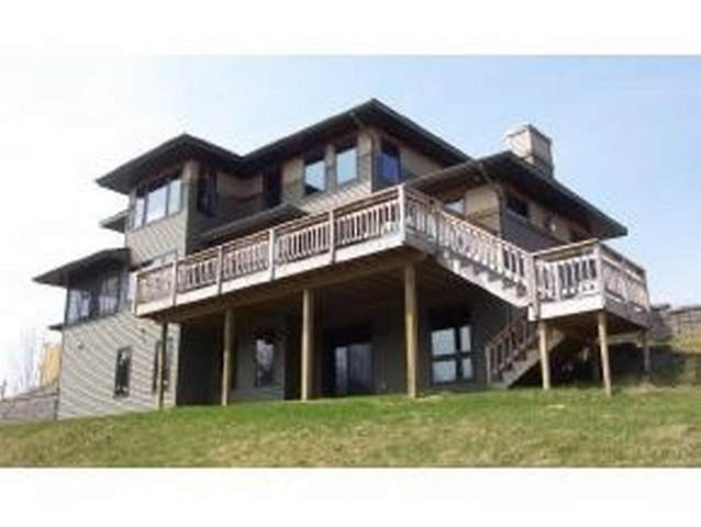 17416 Devils River Drive, Manitowoc, WI 54227 (#50239813) :: Town & Country Real Estate