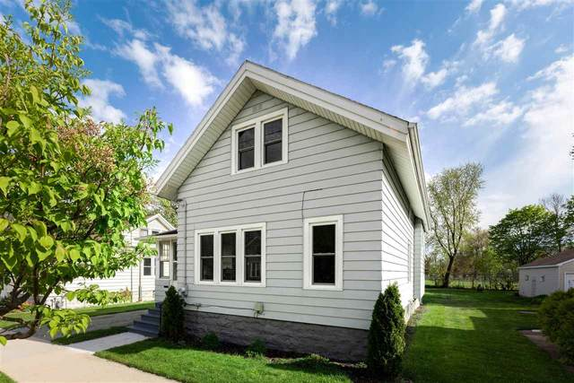 661 W 11TH Street, Oshkosh, WI 54902 (#50239857) :: Ben Bartolazzi Real Estate Inc