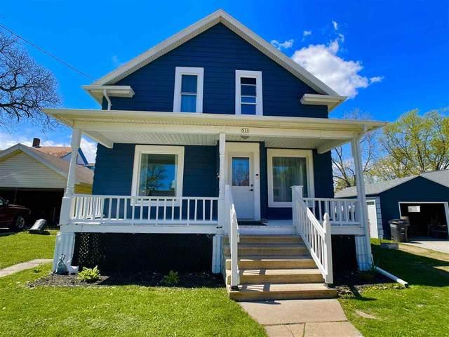 511 Grove Street, Oshkosh, WI 54901 (#50239863) :: Ben Bartolazzi Real Estate Inc