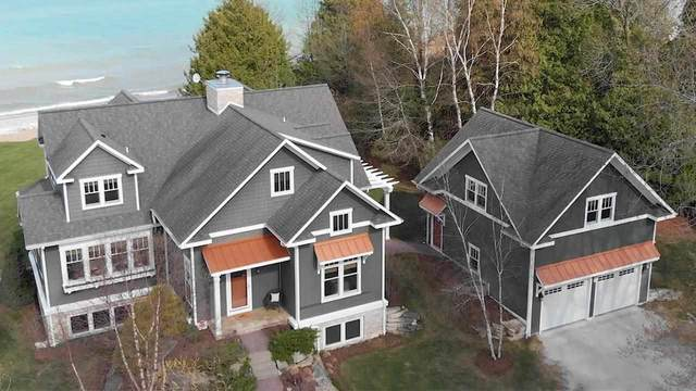 12807 Lakeshore Road, Two Rivers, WI 54241 (#50239897) :: Carolyn Stark Real Estate Team