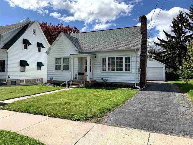135 W 21ST Avenue, Oshkosh, WI 54902 (#50239946) :: Ben Bartolazzi Real Estate Inc