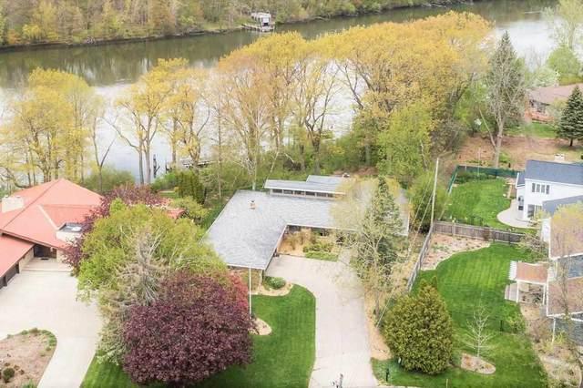 2900 E Crestview Drive, Appleton, WI 54915 (#50239956) :: Carolyn Stark Real Estate Team