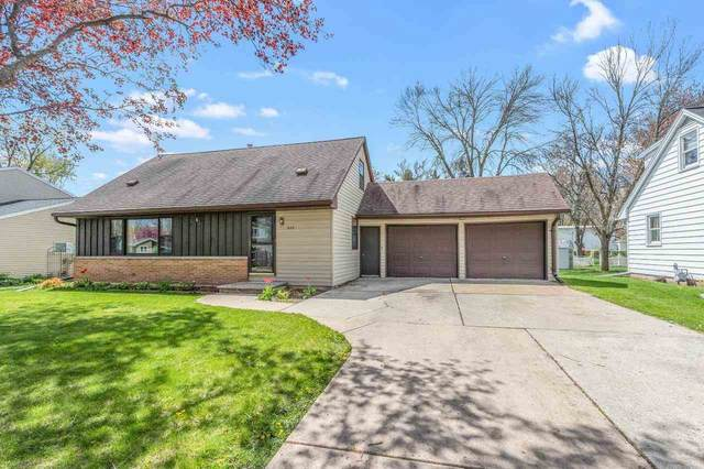 520 Karen Lane, Green Bay, WI 54301 (#50239957) :: Dallaire Realty