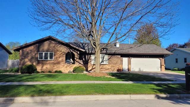 1415 S Irma Street, Appleton, WI 54915 (#50239965) :: Carolyn Stark Real Estate Team