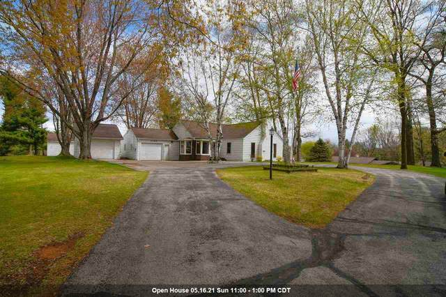2290 Northwood Road, Suamico, WI 54313 (#50239978) :: Dallaire Realty