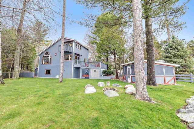 N1930 Shore Drive, Marinette, WI 54143 (#50239996) :: Todd Wiese Homeselling System, Inc.
