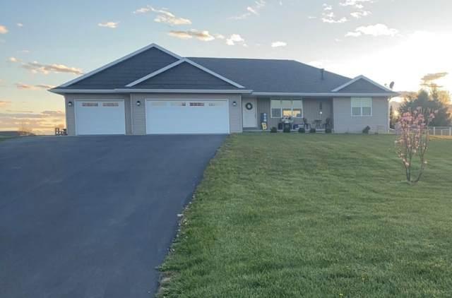 409 Falcon Circle, Pulaski, WI 54162 (#50240003) :: Carolyn Stark Real Estate Team