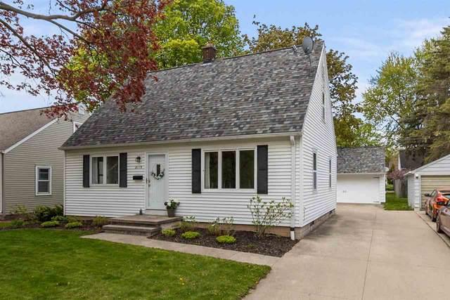 2119 N Clark Street, Appleton, WI 54911 (#50240016) :: Carolyn Stark Real Estate Team