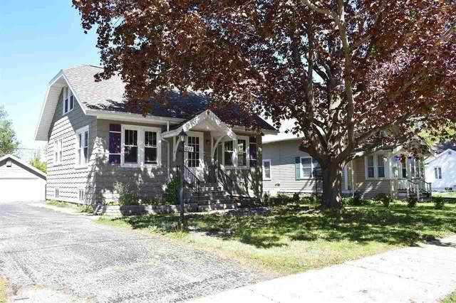 1887 Vinland Street, Oshkosh, WI 54901 (#50240079) :: Town & Country Real Estate