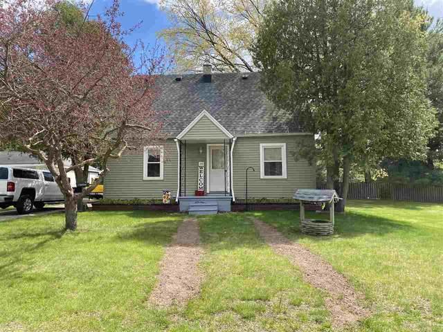206 E Zingler Avenue, Shawano, WI 54166 (#50240147) :: Todd Wiese Homeselling System, Inc.