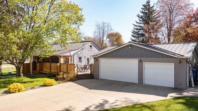 905 9TH Street, Waupaca, WI 54981 (#50240203) :: Carolyn Stark Real Estate Team