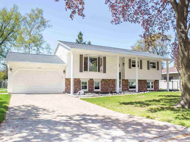 1205 Canterbury Road, Green Bay, WI 54304 (#50240242) :: Dallaire Realty