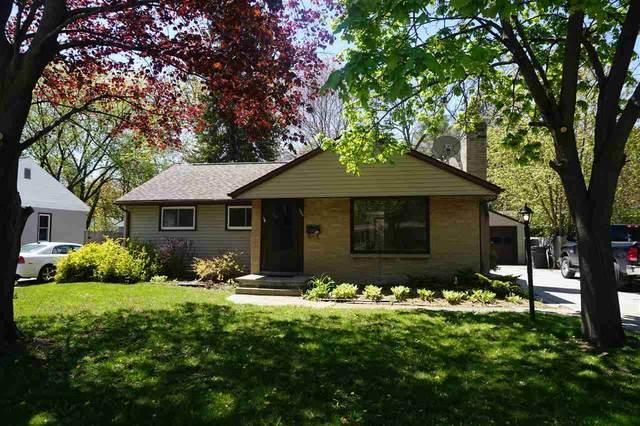 424 E Allouez Avenue, Green Bay, WI 54301 (#50240259) :: Dallaire Realty