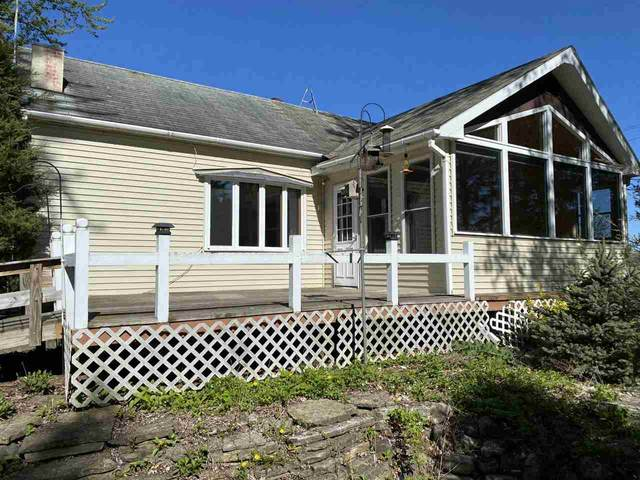 E9545 Hwy D, Clintonville, WI 54929 (#50240295) :: Todd Wiese Homeselling System, Inc.