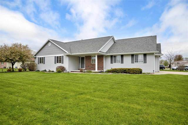 W6335 Boonesborough Drive, Greenville, WI 54942 (#50240297) :: Todd Wiese Homeselling System, Inc.