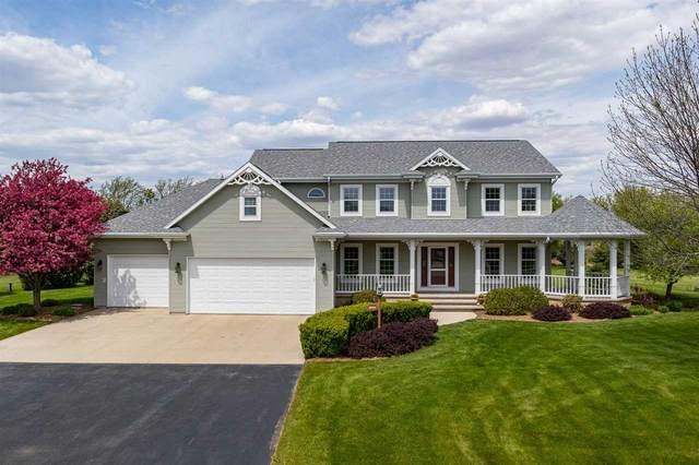W7454 Ridgeside Drive, Neenah, WI 54956 (#50240332) :: Todd Wiese Homeselling System, Inc.