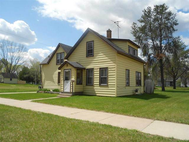 815 S Bartlett Street, Shawano, WI 54166 (#50240334) :: Dallaire Realty