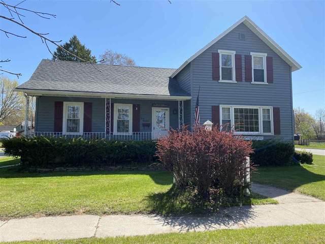 300 N Beebe Avenue, Peshtigo, WI 54157 (#50240343) :: Todd Wiese Homeselling System, Inc.