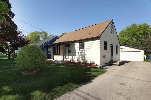 1605 S Jackson Street, Appleton, WI 54915 (#50240346) :: Todd Wiese Homeselling System, Inc.