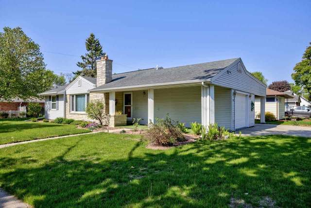 1107 W Glendale Avenue, Appleton, WI 54914 (#50240351) :: Todd Wiese Homeselling System, Inc.