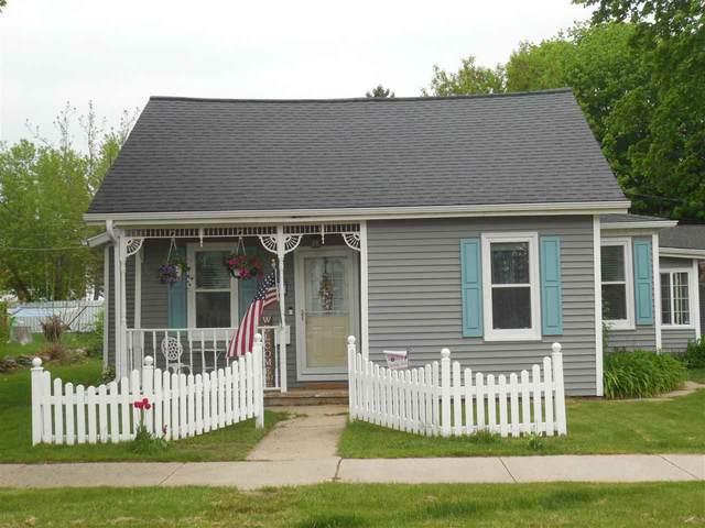 427 School Street, Oconto, WI 54153 (#50240527) :: Carolyn Stark Real Estate Team