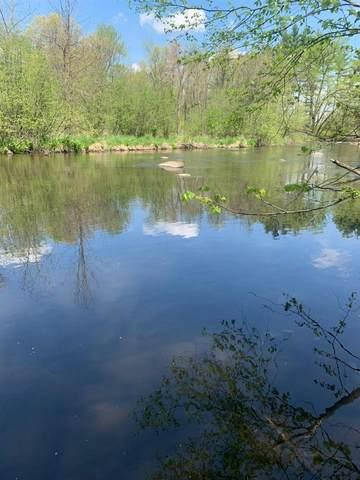 E1156 Riverbend Lane, Waupaca, WI 54981 (#50240628) :: Carolyn Stark Real Estate Team