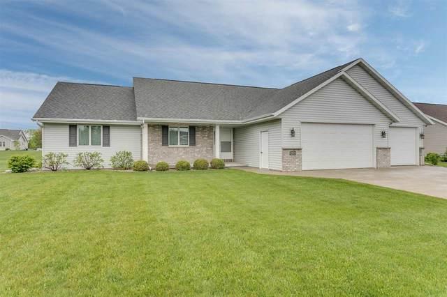 N989 Summer Breeze Lane, Greenville, WI 54942 (#50240648) :: Todd Wiese Homeselling System, Inc.