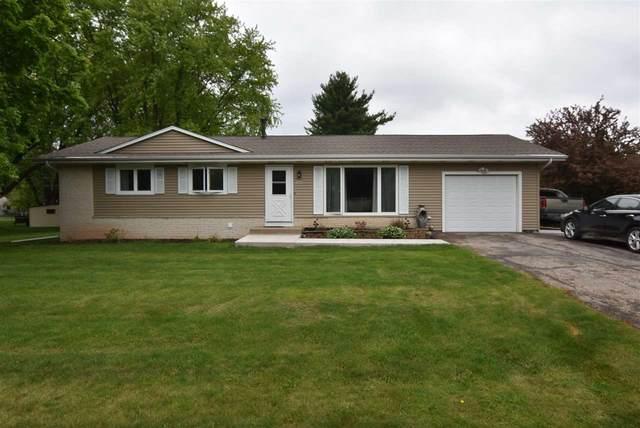 1250 Tammy Road, Oshkosh, WI 54904 (#50240662) :: Carolyn Stark Real Estate Team