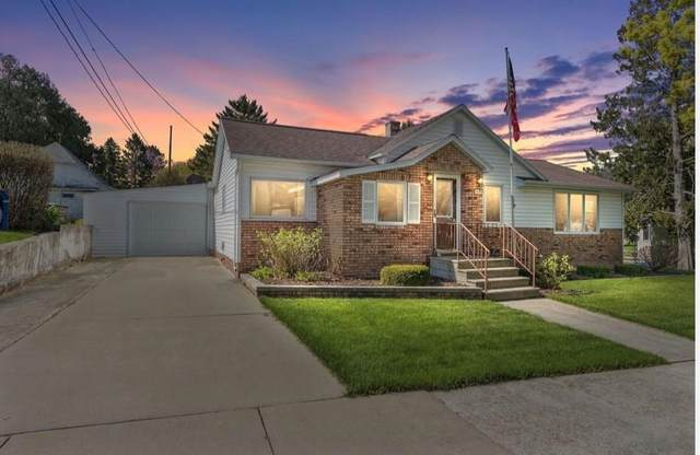 414 Henry Street, Kewaunee, WI 54216 (#50240676) :: Carolyn Stark Real Estate Team