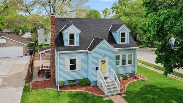 888 7TH Street, Green Bay, WI 54303 (#50240742) :: Carolyn Stark Real Estate Team