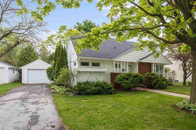 524 S Parkway Drive, Brillion, WI 54110 (#50240745) :: Carolyn Stark Real Estate Team