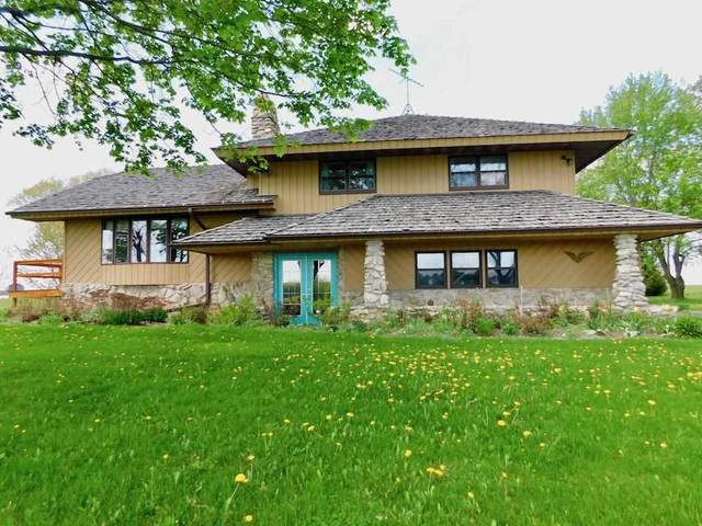 6165 Marys Road, Luxemburg, WI 54217 (#50240800) :: Todd Wiese Homeselling System, Inc.