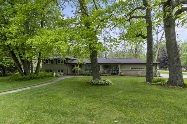 2651 Woodcrest Drive, Neenah, WI 54956 (#50240804) :: Todd Wiese Homeselling System, Inc.