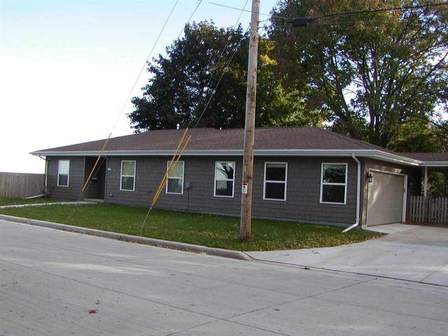 1389 Ceape Avenue, Oshkosh, WI 54901 (#50240865) :: Todd Wiese Homeselling System, Inc.